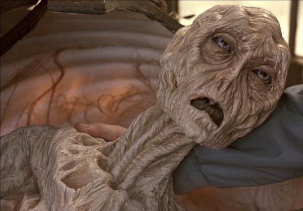 Инопланетянин старый пока он долетит до земли он состарится никому не хочется провести в космическом корабле всю жизнь и прилететь старым